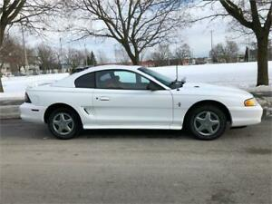 1994 FORD MUSTANG , AUTOMATIQUE ,AIR CLIMATISE , GROUPE ELECTRIQ