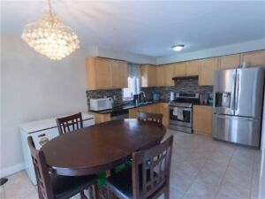 GORGEOUS 4+1Bedroom Detached House @BRAMPTON $799,500 ONLY