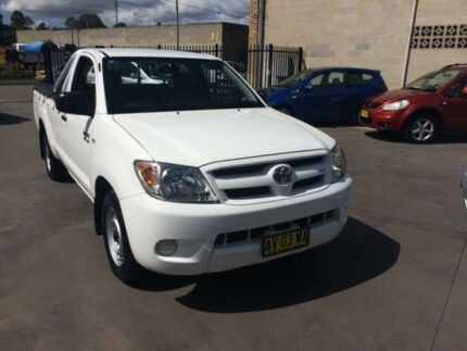 2008 Toyota Hilux GGN15R MY08 SR White 5 Speed Automatic Utility Cambridge Park Penrith Area Preview