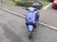 Piaggio vespa ET4 125CC moped motorcycle