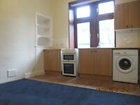 One bedroom unfurnished flat, Shawlands, £440pcm