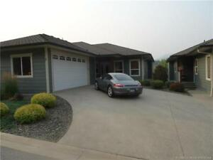 Retire to this Executive Townhouse on Shuswap Lake Golf Course!