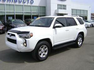 2014 Toyota 4Runner SR5 LEATHER/SUNROOF/NAVIGATION