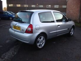 2006 RENAULT CLIO 1149cc - GOOD CONDITION, DRIVES GREAT