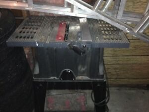MASTERCRAFT TABLE SAW With 45 Degree Angle Cut $60
