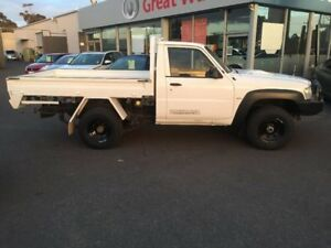 2007 Nissan Patrol White Manual Cab Chassis