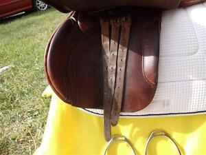"16.5"" Barnsby English Saddle Penticton Kelowna image 9"