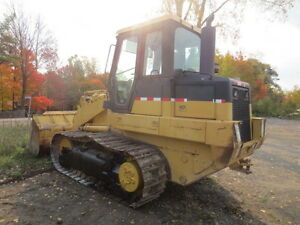 REALLY NICE CAT CRAWLER *GREAT DEAL* London Ontario image 9