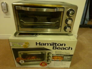 HAMILTON BEACH 6-SLICE CONVECTION TOASTER OVEN ($5.00)