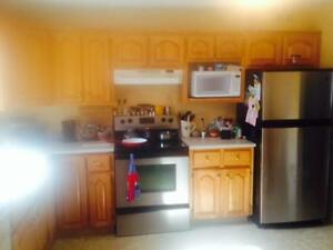 """"""""""" Complete Kitchen Cabinets & counter-tops """""""""""