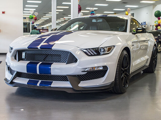 Image 1 of Ford: Mustang GT 350…