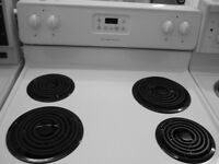 30 INCH WIDE FRIDGIDAIRE STOVE, LIKE NEW CONDITION