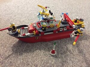 Lego City Fire Station and Fire Truck and Fire Boat Kitchener / Waterloo Kitchener Area image 7