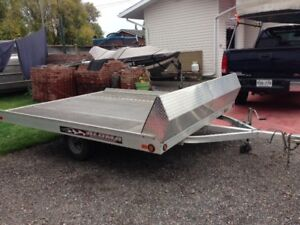 ALUMA 8610T-Tilt snowmobile/Atv trailer
