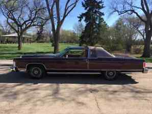 1977 Lincoln Continental Towne Coupe (2 door)