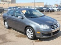 2010 Volkswagen Jetta 2.0 TDI Highline 4dr Sedan, Sunroof, Lther