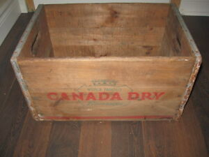 Ancienne caisse Canada Dry