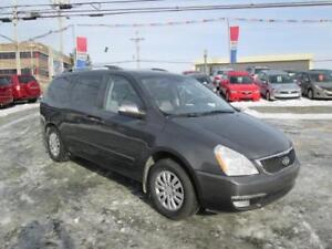 2014 Kia Sedona LX LOW KMS. HEATED SEATS!! $61 WKLY!!