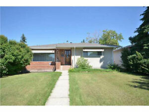 Bungalow Houses 6 bdroom close to southgate Lendrum Place area