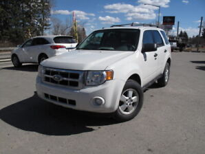 2010 Ford Escape XLT 4WD **A/C, AWD, ULTRA LOW KM** SALE!!