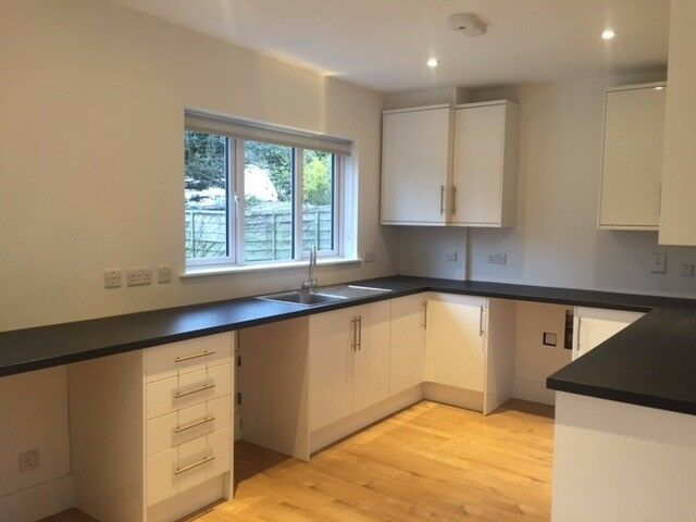 Wonderful NEWLY REFURBISHED 3 bedroom house in a fantastic location