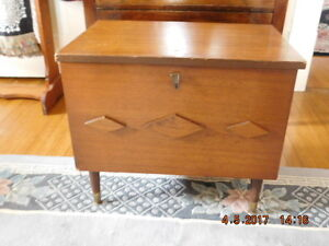 ANTIQUE SEWING CHEST/TABLE