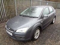 FORD FOCUS 1.6 GHIA PETROL 5 DOOR GREY 2005 94,000 MILES M.O.T TILL 22/09/17 ONE PREVIOUS OWNER