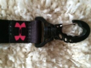 Pink on Black Under Armour Lanyard Clip Away Claw New with Tags Edmonton Edmonton Area image 2