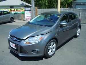 2013 FORD FOCUS SE- HEATED FRONT SEATS, BLUETOOTH, SYNC, SATELLI
