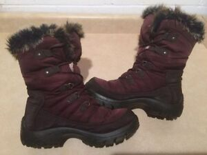 Women's Cougar Insulated Winter Boots Size 8 London Ontario image 2