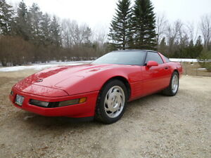 1993 Chevrolet Corvette torch red on black Coupe