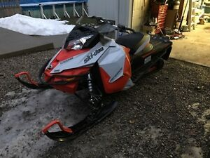 Parting out skidoo 2015 renegade