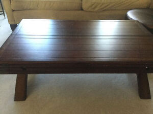 Huge Sturdy Solid Coffee Table Opens Up! Great Condition