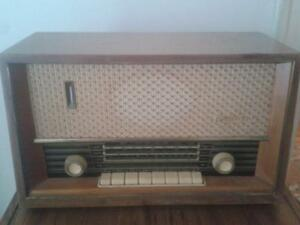 GOPLANA VINTAGE / RETRO 60'S RADIO - URGENT ESTATE SALE