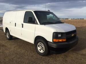 2017 Chevrolet Express Cargo Van 2500 Only 31KM!!!