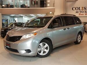 2015 Toyota Sienna REAR CAM-BLUETOOTH-7 PASSENGER-ONLY 61KM