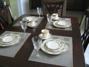 Ivory China Set with 6 Crystal Glasses