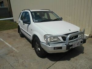 2000 Mercedes-Benz ML320 W163 MY2000 Luxury White 5 Speed Sports Automatic Wagon Kippa-ring Redcliffe Area Preview