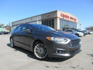 2016 Ford Fusion SE AWD, NAV, ROOF, LEATHER, 38K!