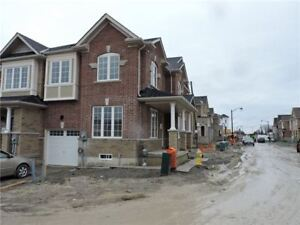 Townhouse for Sale in Newmarket at  Bennett St