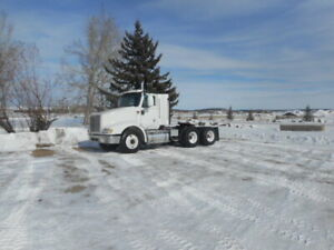 2007 International 9200 daycab tractor. Lower kms and hours
