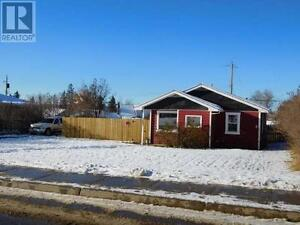 REDUCED MLS 163750 A 2 bedroom house on a HUGE fenced lot?