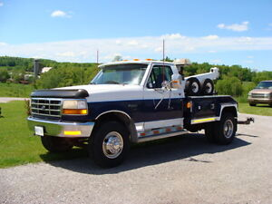 TOW TRUCK 1996 Ford E-450 TOW TRUCK SUPER SHAPE