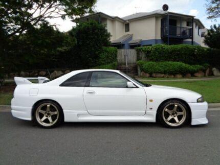 1995 Nissan Skyline BNR33 GTR White 5 Speed Manual Coupe