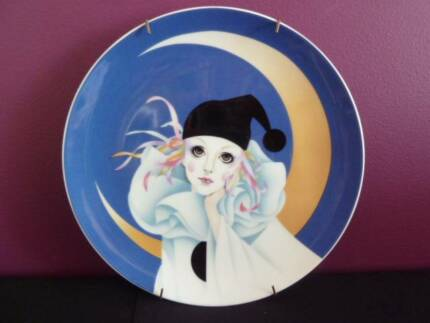 Collector plate - clown - Pierrot. Made in Japan. Saji Fine china
