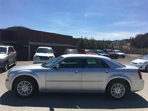 Chrysler 300 4dr Sdn Touring RWD 2010