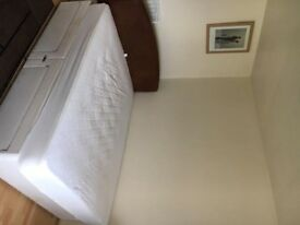 Large double room in beautiful house in Pollards hill. Inclusive £400pcm . CR4 1XN .