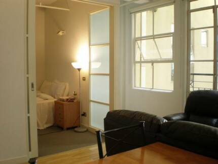Room in 2 bedroom apartment on Collins Street