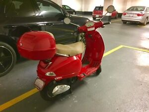 For Sale - LX150 Vespa with 2 helmets and top case!