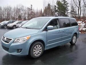 LEATHER INTERIOR!2009 Volkswagen Routan Highline! LOW MILEAGE!